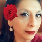 Laura from San Antonio | Woman | 43 years old | Capricorn