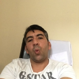 Kad from Sheffield | Man | 45 years old | Capricorn