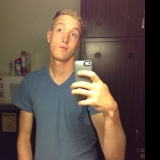 Joey from Beverly Hills   Man   28 years old   Aries