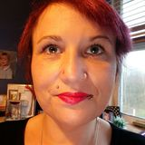 Loulou from Crewe | Woman | 43 years old | Capricorn