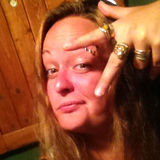 Melina from Laval | Woman | 35 years old | Leo