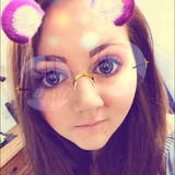 Beth from Hove | Woman | 24 years old | Aquarius