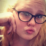 Bluntslut from Akron   Woman   24 years old   Pisces