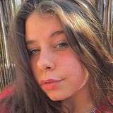 Lena from Paris | Woman | 25 years old | Aquarius
