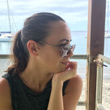 Laura from Creteil | Woman | 36 years old | Capricorn