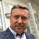 Chris from London | Man | 48 years old | Gemini